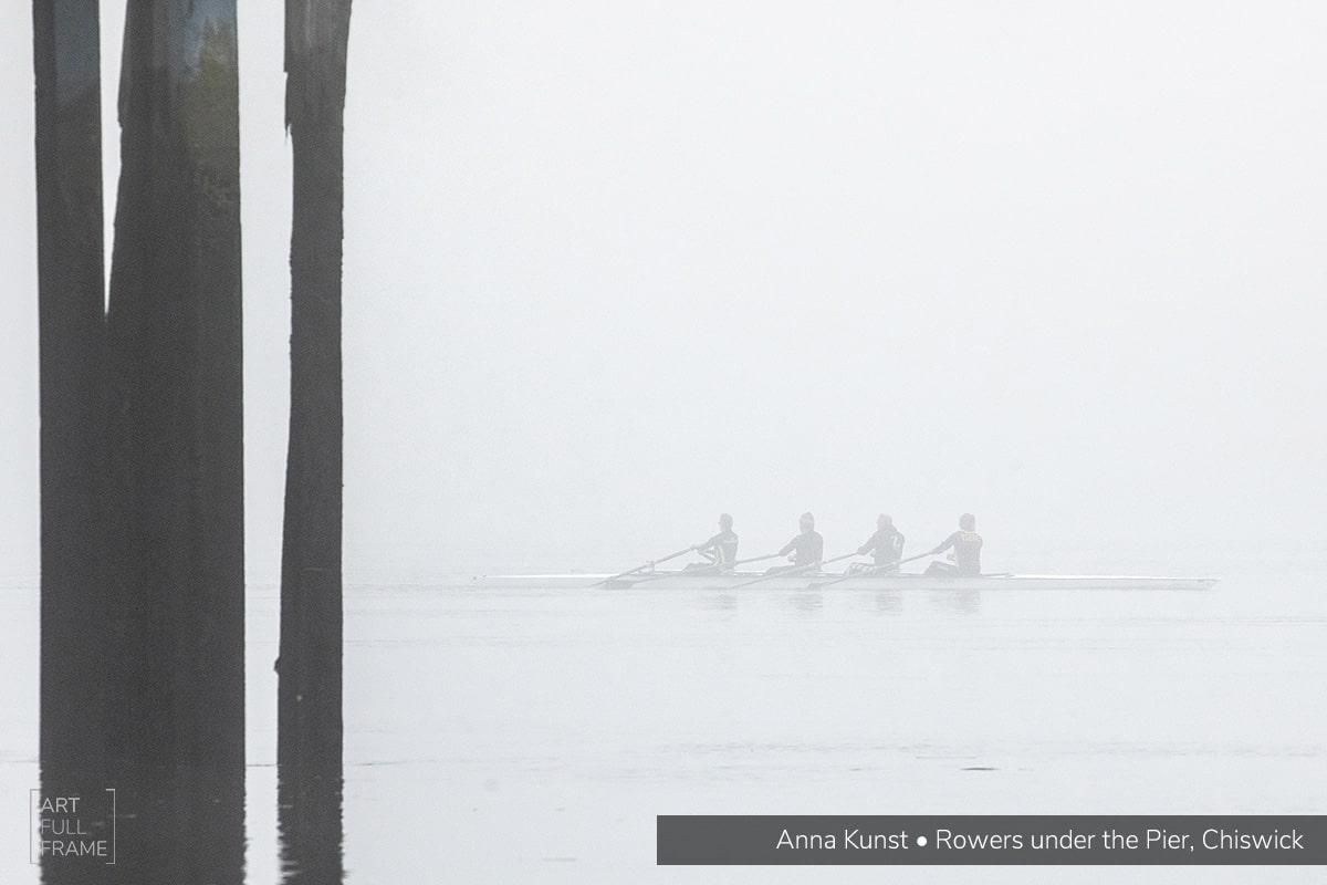 ArtFullFrame-AnnaKunst-RowersUnderThePier_Chiswick