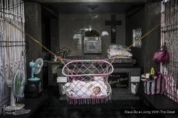 ArtFullFrame - Klaus Bo - Living With The Dead